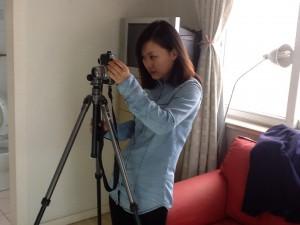 有姿态有态度的美女摄影师Aven